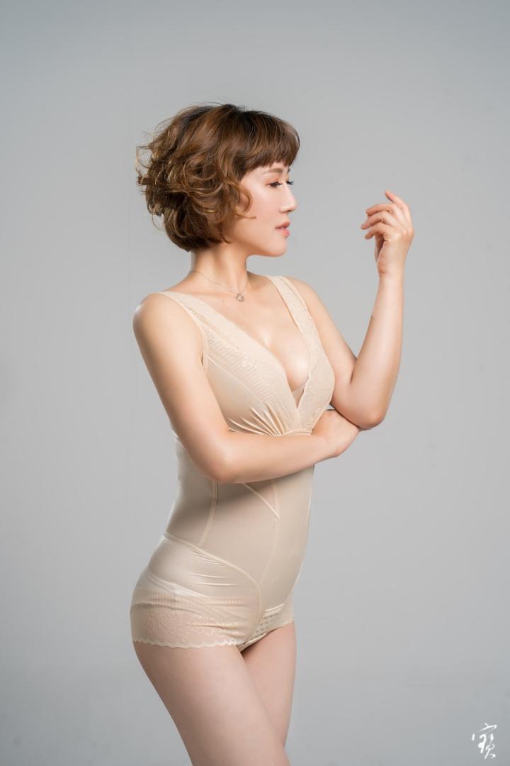 美人計塑身衣型錄攝影
