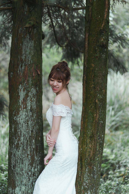 婚紗攝影 婚紗 美式婚紗 自然互動 笑容 冷水坑婚紗 陽明山婚紗 花卉試驗中心婚紗 攝影師 冬伴影像 北部_DB_8958