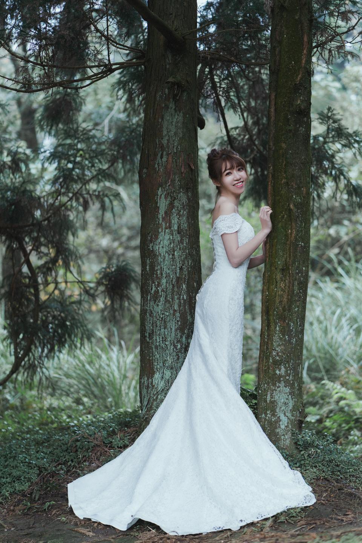 婚紗攝影 婚紗 美式婚紗 自然互動 笑容 冷水坑婚紗 陽明山婚紗 花卉試驗中心婚紗 攝影師 冬伴影像 北部_DB_9001